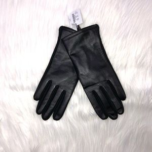 J. Crew Factory Accessories - NWT J. Crew Lined Leather Tech Gloves